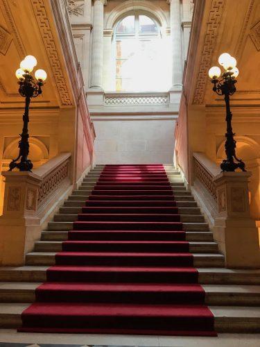 Le tapis rouge vous conduit à la table de Guy Savoy