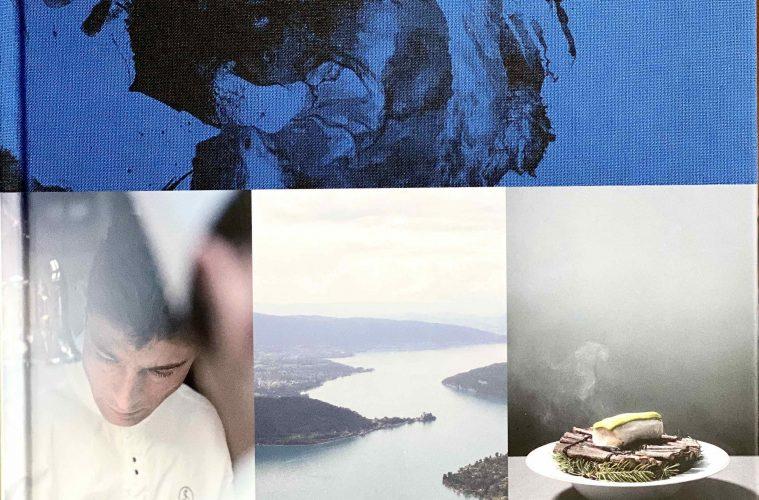 """Jean Sulpice présente son livre """" le chef, l'auberge et le lac"""" ©Sandrine Kauffer-Binz"""