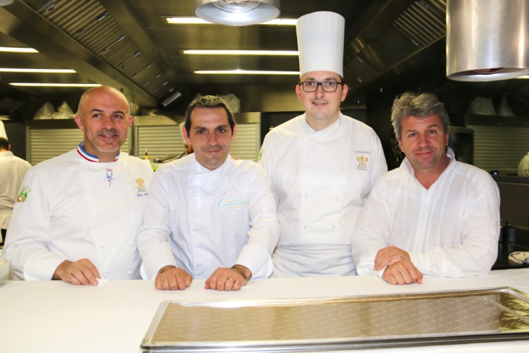Les deux chefs avec leur second. De G à D : O. Nasti, C. Lapeyre, N. Carro et E. Loubet ©Sandrine Kauffer