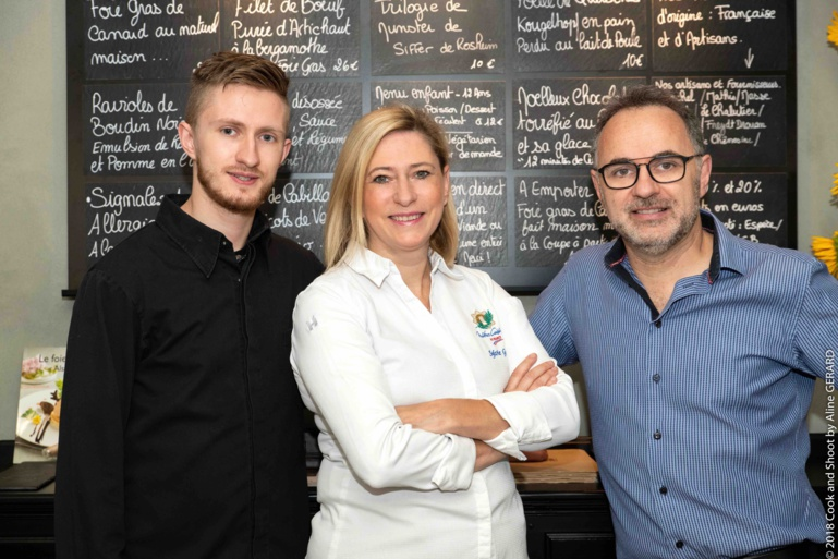 En 2018, Sylvie Grucker est ravie. Son fils Kevin, âgé de 24 ans, l'a rejointe en cuisine, pour un duo mère-fils complice.
