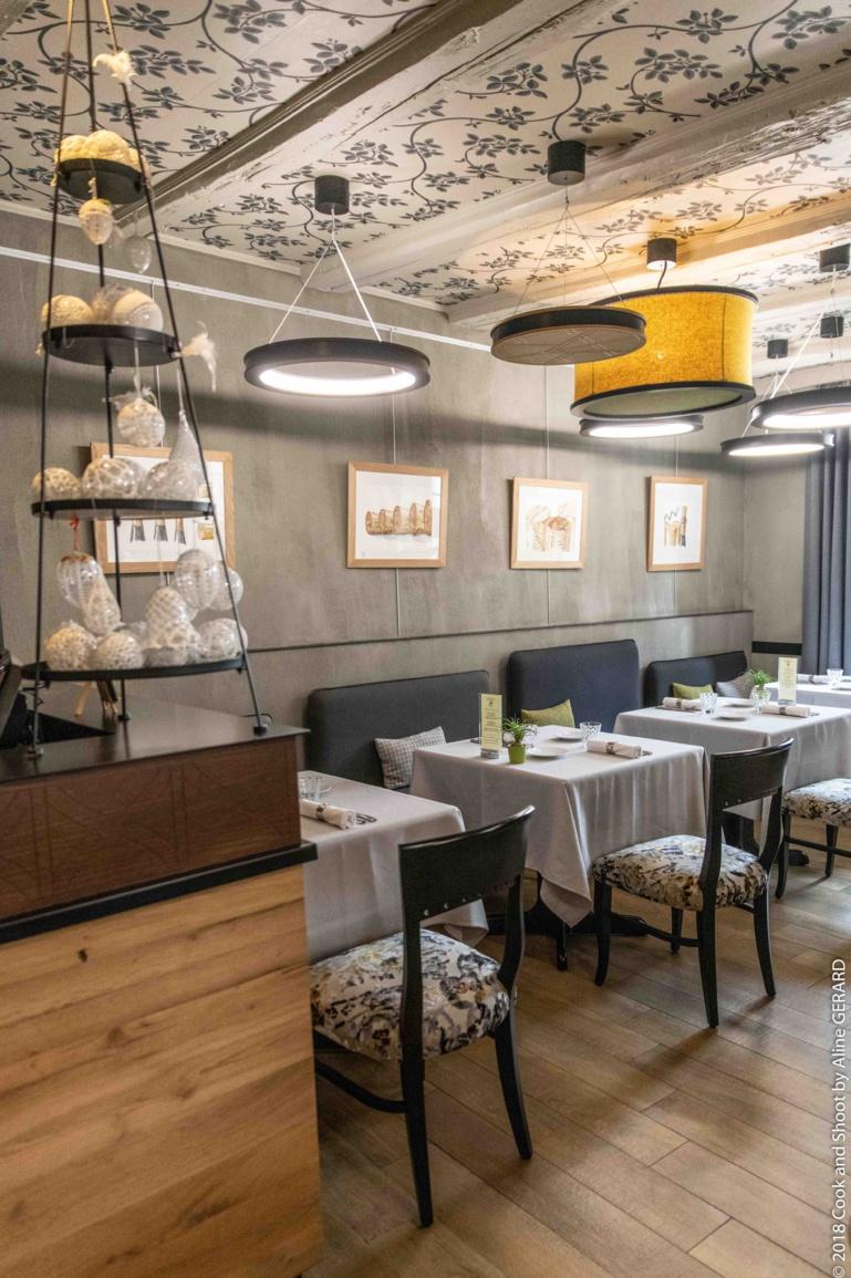 La salle du restaurant s'est métamorphosée, combinant avec subtilité authenticité et modernité.