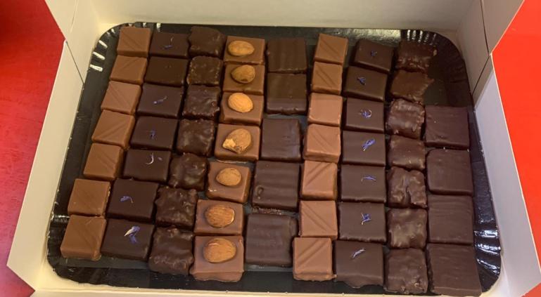 Bastien Dangelser (cabosse) a confectionné des chocolats et macarons pour finaliser avec une touche de sucré