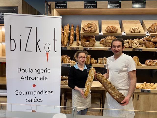 Dominique et Laurent Sanchez ont fourni les pains à chaque repas ©Bizkot
