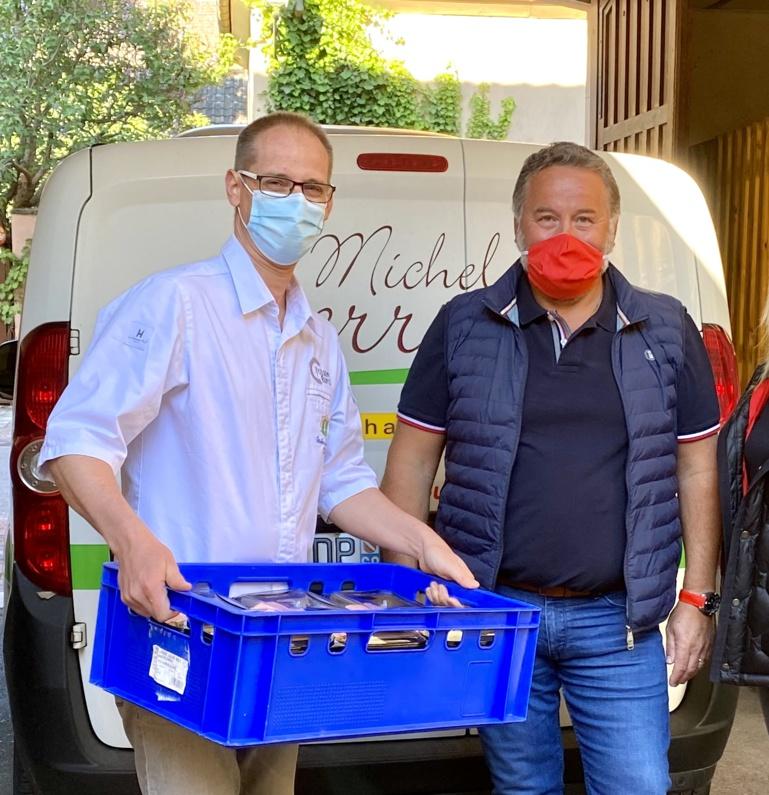 Julien Binz et Alain Belli qui effectue les récupérations des plats et la livraison ©Sandrine Kauffer-Binz
