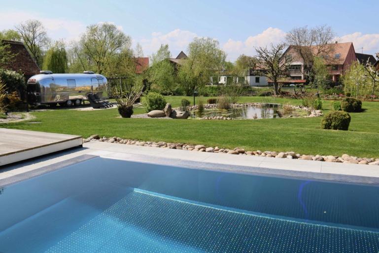 La piscine extérieure de 25 m. ©Sandrine Kauffer-Binz