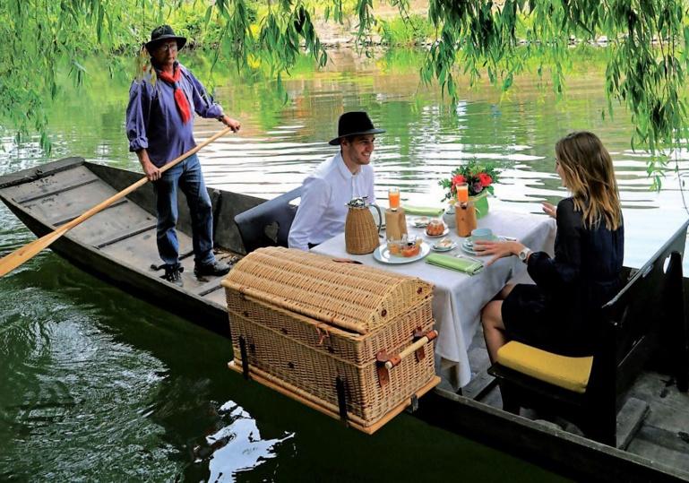 les petits déjeuners sur barque