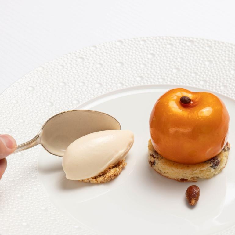 L'abricot, mousse amande, pain de Gênes, crème glacée amande @Au crocodile
