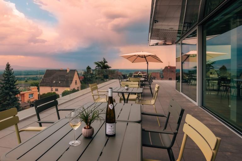 Dégustations et planchettes sur la terrasse du Belvédère si la température le permet