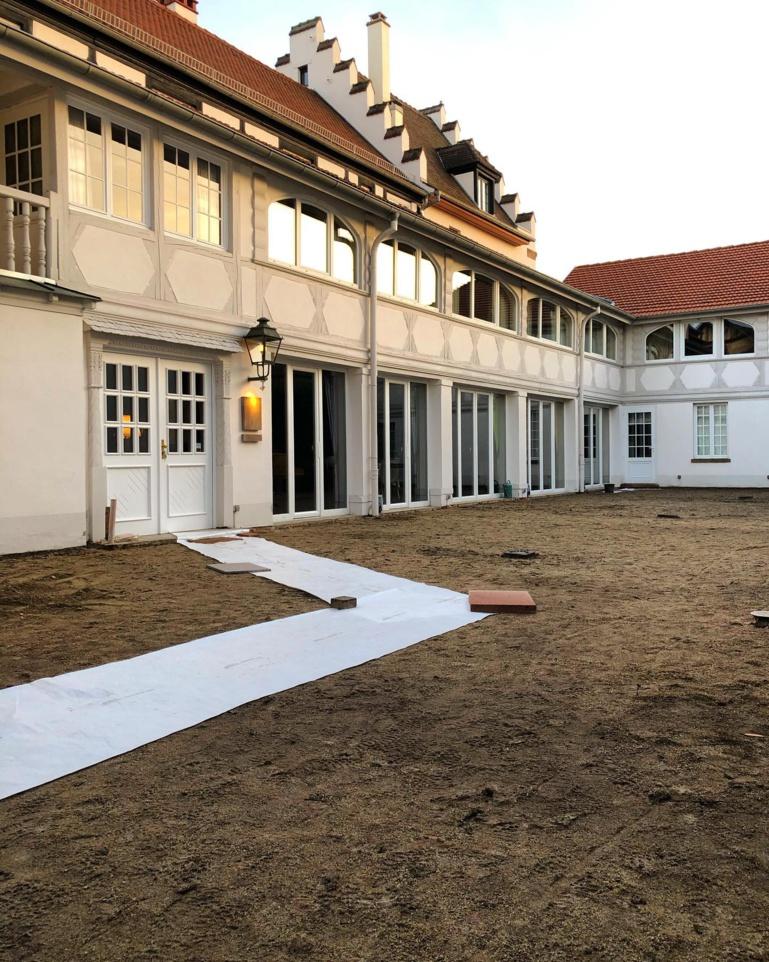 200 m2 de cour vont être aménagée en jardin arboré