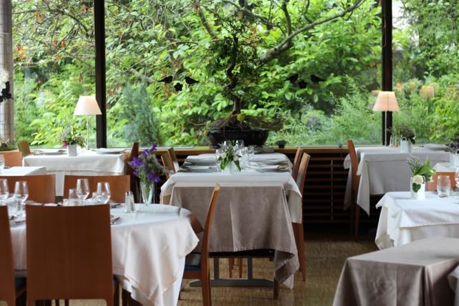 la salle du restaurant La gare